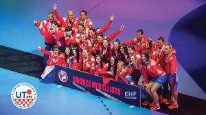 Čestitke igračicama, izborniku i članu Upravnog odbora Udruge trenera Nenadu Šoštariću i stručnom stožeru reprezentacije