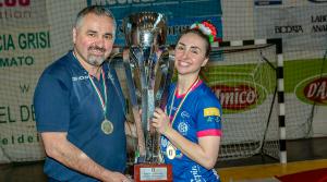 Dragan Rajić sa ženskim rukometnim klubom PDO Salerno osvojio sva tri natjecanja u Italiji: super kup, kup Italije i prvenstvo Italije.