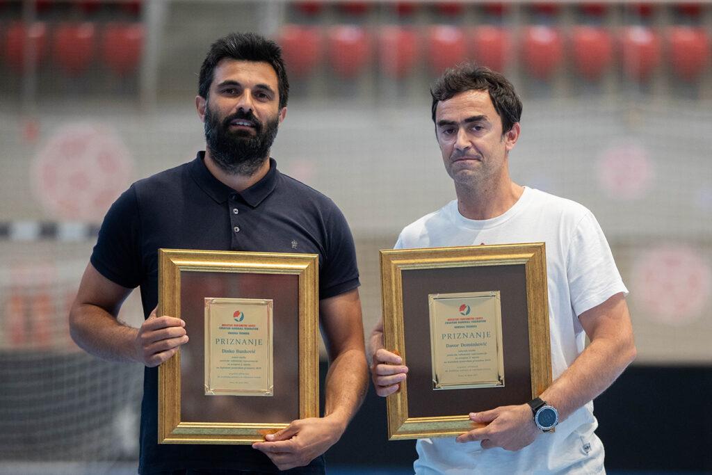 Dinko Đanković i Nikola Foretić (priznanje za Davora Dominikovića)